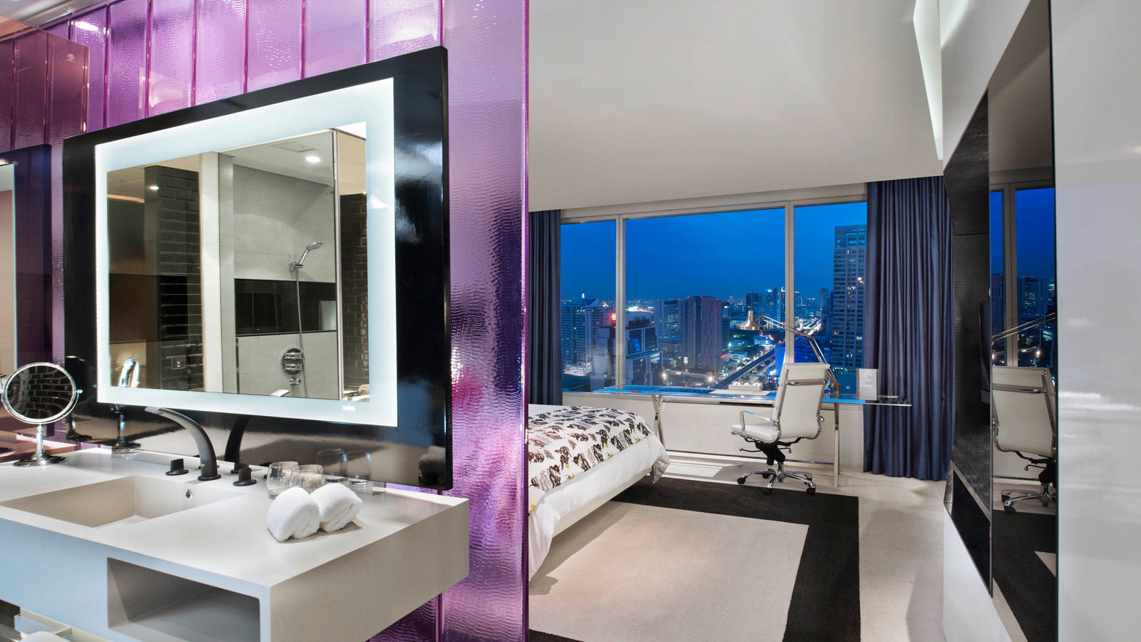 Rooms and suites infused with glamour l w bangkok for W hotel bedroom designs